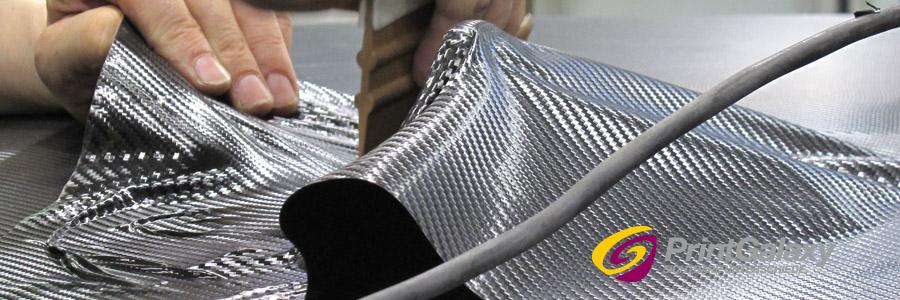 Kleinere Teile und Kundenwünsche werden in weiteren Arbeitsschritten separat mit Folie beklebt